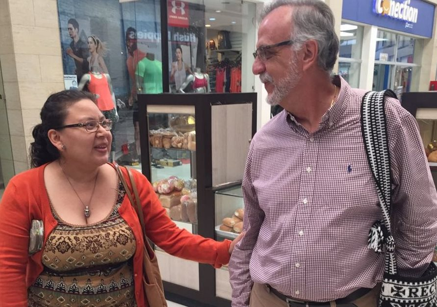 Visita de Iván Velásquez causa admiración en vecinos de Cobán