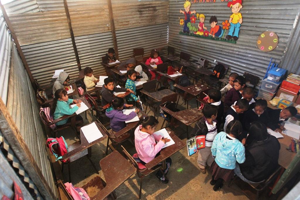 Reducción de cobertura educativa se suma a baja inversión en infraestructura y docentes