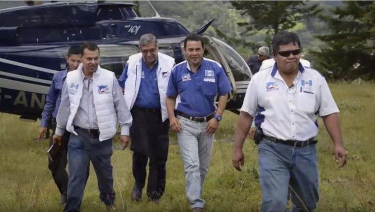 Durante su campaña, Jimmy Morales utilizó una aeronave que fue inmovilizada por la Fiscalía. (Foto: Internet)
