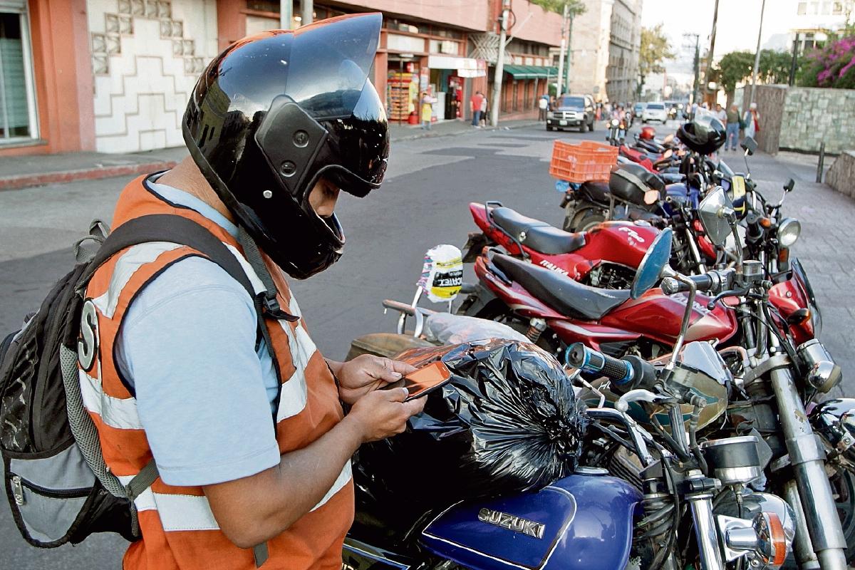 Suben accidentes por uso de celulares