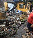 Un total de 18 familias perdieron sus pertencias por la inundación del pasado jueves. (Foto Prensa Libre: Esbin García)