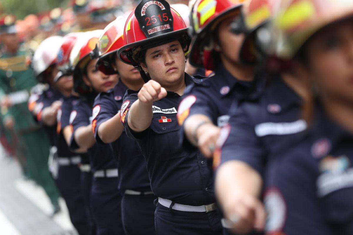 La abnegación es una de las características de los Bomberos Municipales. (Foto Prensa Libre: Esbin García)