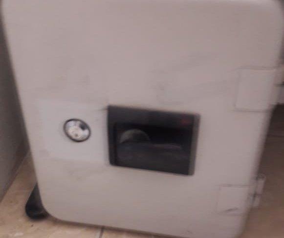 Una caja fuerte localizada en uno de los inmuebles allanados. (Foto Prensa Libre: MP)