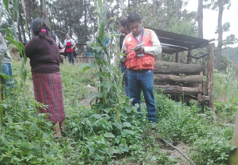 Conred evacúa a cinco familias en riesgo en San Carlos Sija