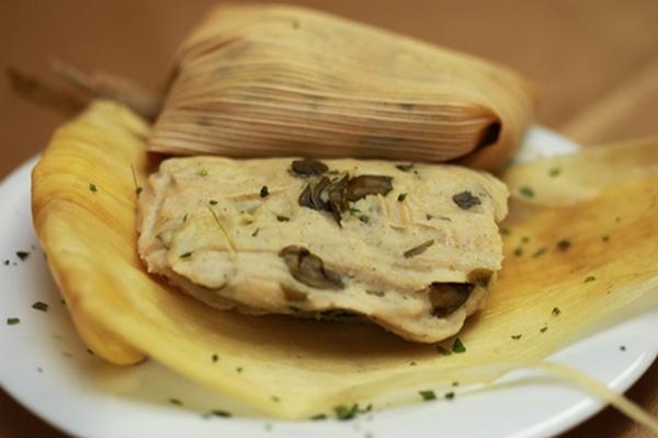 El tamalito de chipilín es un clásico de la gastronomía guatemalteca, la cual responde a patrones culturales forjados con el tiempo. (Foto Prensa Libre: Óscar Rivas)
