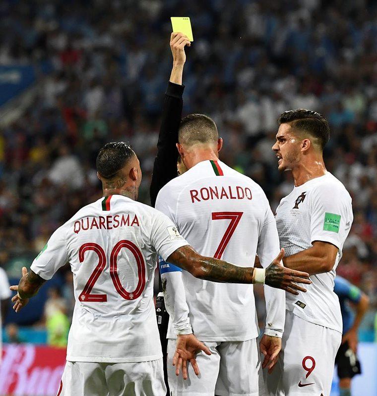 Cristiano recibió una tarjeta amarilla en su último partido en el Mundial de Rusia 2018. (Foto Prensa Libre: AFP)