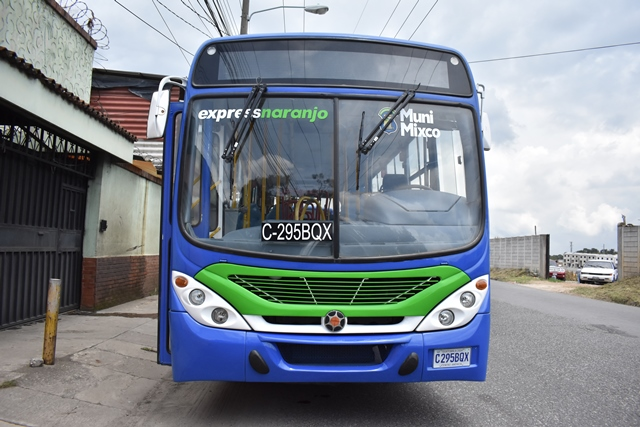 Una de las 30 unidades que serán utilizadas en el Express Naranjo, que comenzará a funcionar a mediados de noviembre de este año. (Foto Prensa Libre: Municipalidad de Mixco)