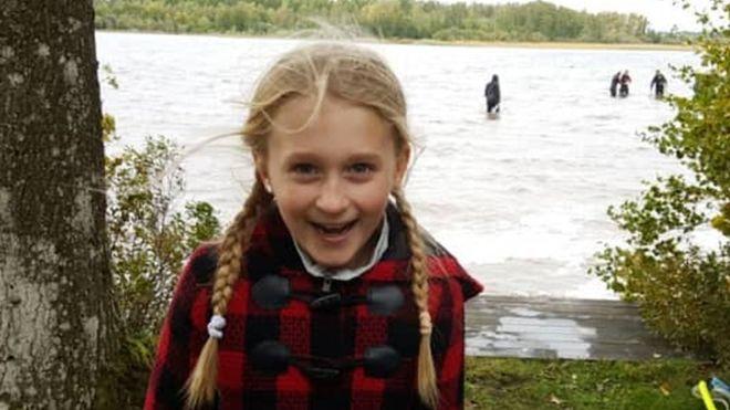 Saga Vanecek encontró la reliquia en el lago Vidöstern. ANDY VANECEK