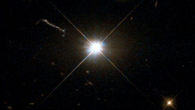 Agujero negro brillante observado en el telescopio Hubble. ESA/HUBBLE/NASA