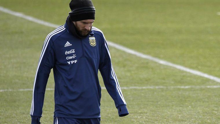 Lionel Messi no jugó el partido de Argentina contra España. (Foto Prensa Libre: AFP)