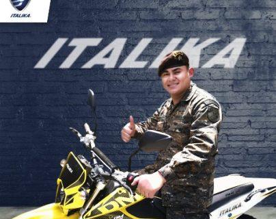 Recibe moto de Italika