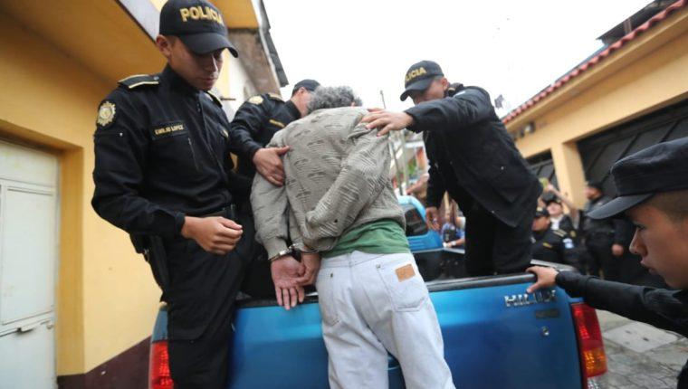 Los allanamientos se realizan en ocho departamentos del país. (Foto Prensa Libre: Érick Ávila)