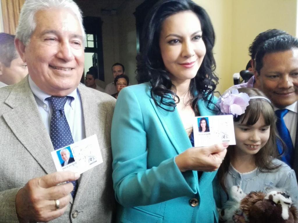 TSE inscribe a Zury Ríos por orden de la CSJ