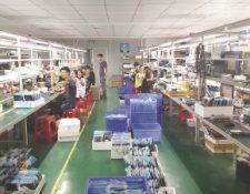 La fábrica Molvu, en China, emplea de 20 a 40 operarios, lo cual depende de la demanda.