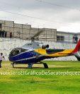 La aeronave fue captada en Santiago Sacatepéquez, el domingo, donde supuestamente viajó el ministro de ambiente, Alfonso Alonzo. (Foto Prensa Libre: El Gráfico de Sacatepéquez)