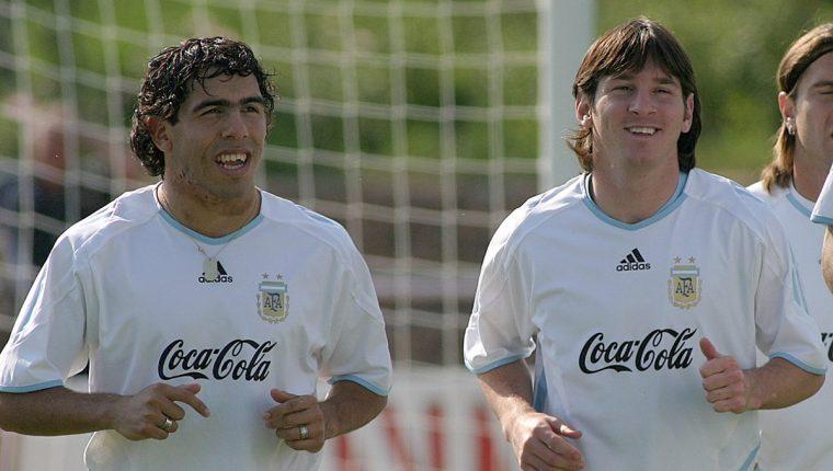 Lionel Messi y Carlos Tevez estuvieron juntos con las Selección de Argentina en los Mundiales de Alemania 2006 y Sudáfrica 2010. (Foto Prensa Libre: Hemeroteca PL)