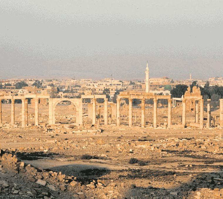 La ciudad histórica de Palmira, en el centro de Siria, en una foto tomada el 12 de noviembre de 2010. Este monumento fue gravemente afectado por los enfrentamientos entre el ejército sirio y los rebeldes. (Foto: EFE)