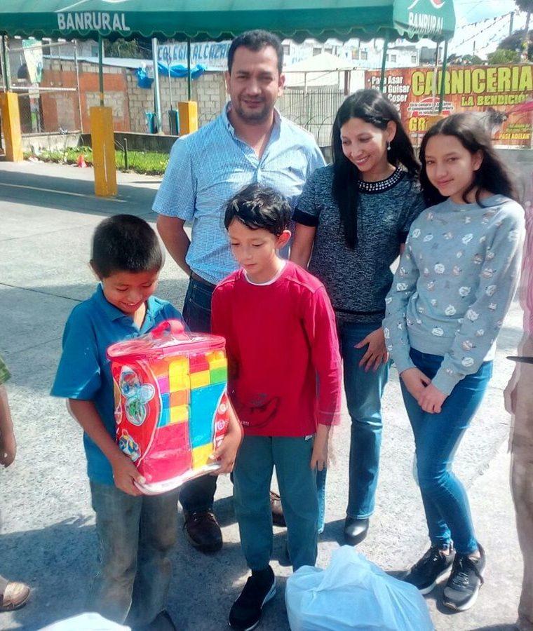 La solidaridad de los guatemaltecos ha sido evidente. (Foto Prensa Libre: Cortesía Glenda de Hernández).