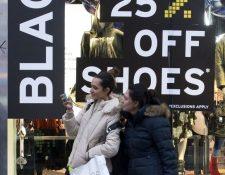 La temporada de ofertas comenzó desde la semana pasada. (Foto Prensa Libre: AFP)
