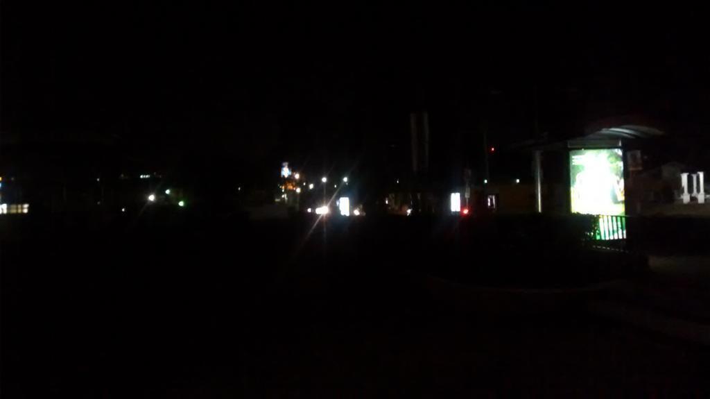 La falta de iluminación en las calles altenses, será el tema principal de la reunión que sostendrá el gobernador Julio Quemé con el Concejo de Xela. (Foto Prensa Libre: Fred Rivera)
