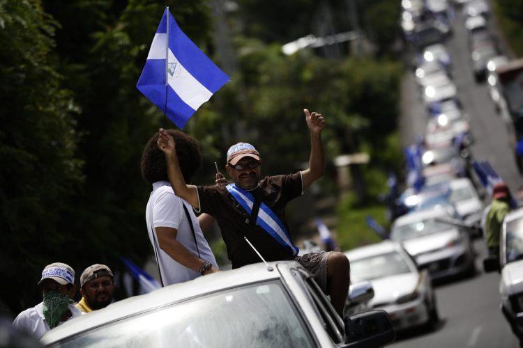 Caravana de vehículos en Managua exige desarme de grupos afines a Ortega