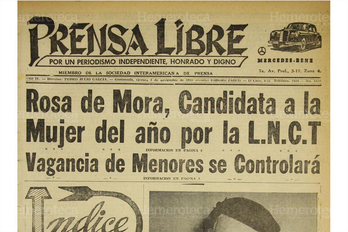 Doña Rosa Castañeda de Mora, designada Mujer del Año. Portada de Prensa Libre del 4/11/1955. (Foto: Hemeroteca PL)