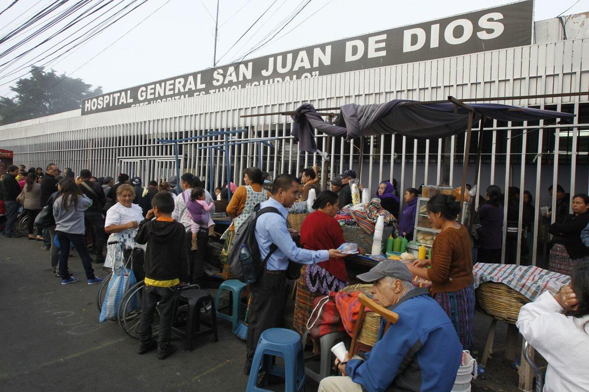 Sindicalistas cierran consulta externa del San Juan de Dios
