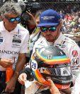 El español Fernando Alonso no pudo terminar las 500 millas de Indianápolis por problemas mecánicos. (Foto Prensa Libre: EFE)