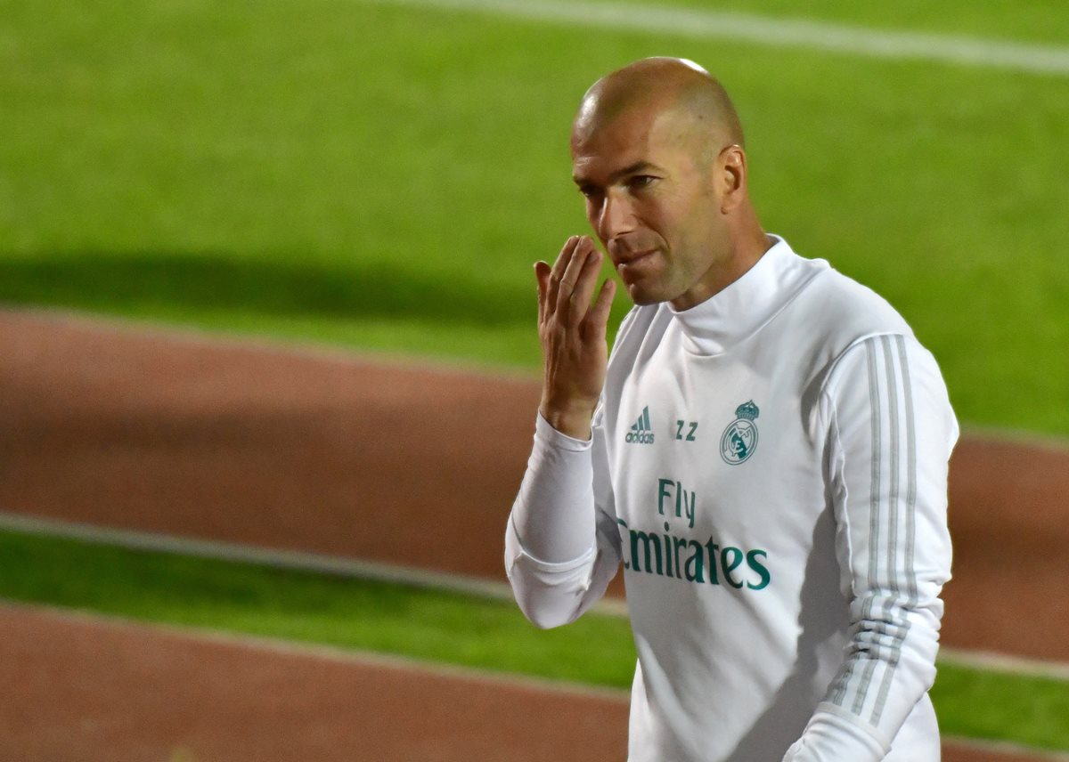 Zinedine Zidane quiere conquistar su segundo título desde el banquillo del Real Madrid. (Foto Prensa Libre: AFP)