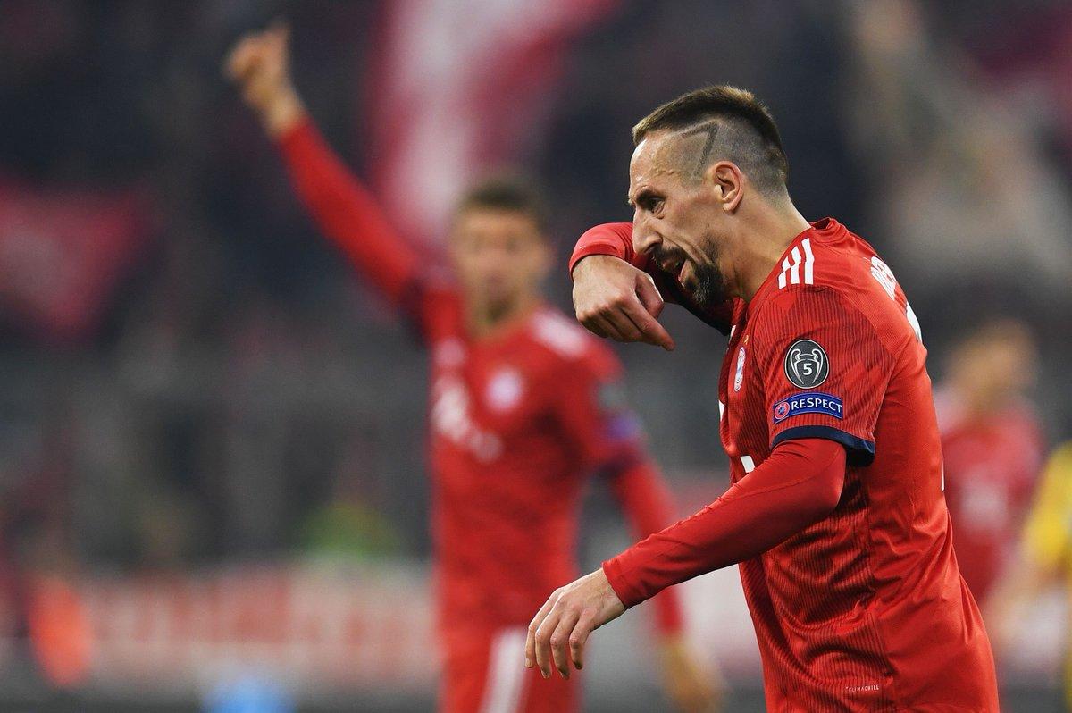 El jugador francés Franck Ribery perdió el control después del juego Bayern Múnich - Borussia. (Foto Prensa Libre: Redes)