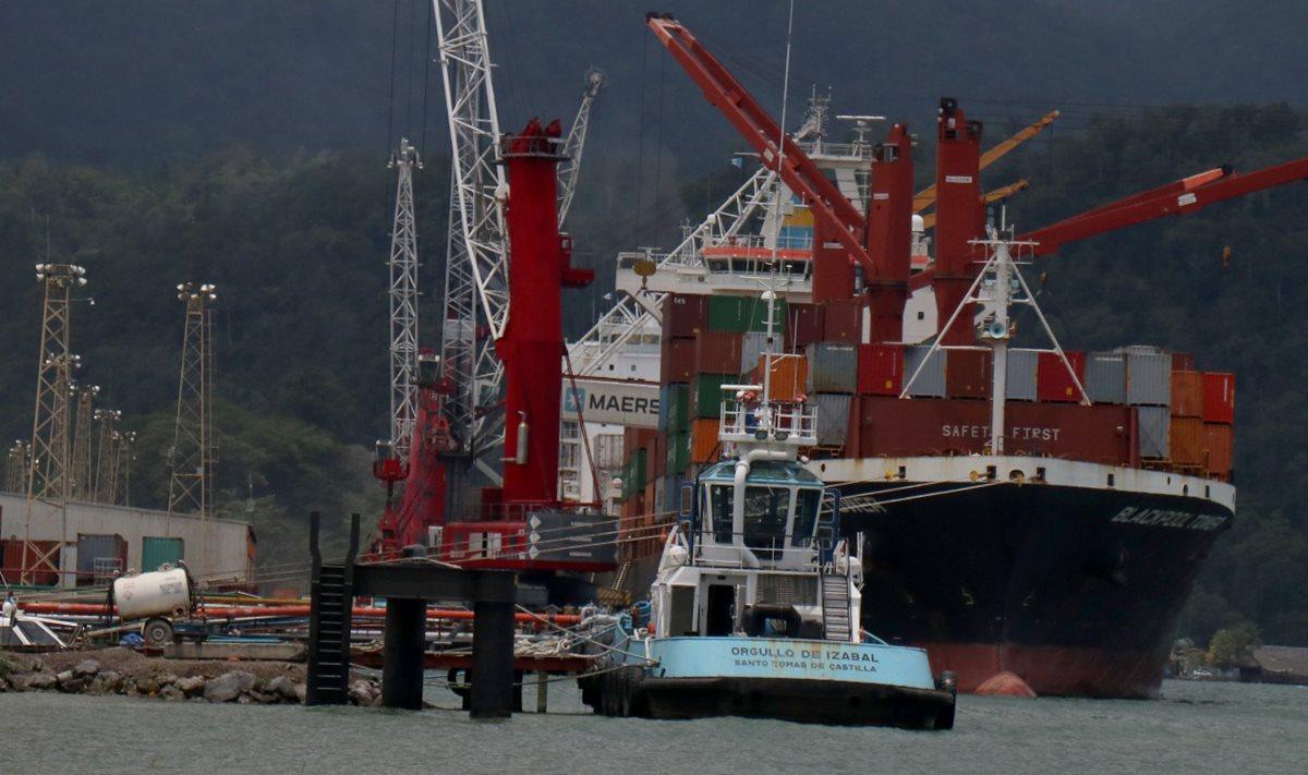 Por la crisis en Empornac una de las navieras más grandes suspendió parcialmente sus operaciones en esa terminal del Caribe. (Foto Prensa Libre: Hemeroteca)