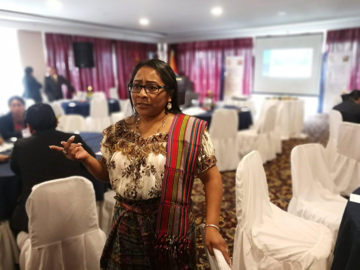 Marta Tojin, coordinadora nacional de Enfoque Intercultural del IDPP, explicó el Protocolo para Atención a Pueblos Indígenas. (Foto Prensa Libre: Kenneth Monzón)