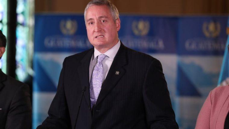 El ministro de Gobernación, Enrique Degenhart, ha sido criticado por sus contradicciones en declaraciones públicas.  (Foto Prensa Libre: Hemeroteca PL)