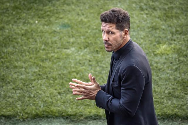 El entrenador argentino del Atlético de Madrid Diego Simeone, negó tener algún acercamiento con la AFA. (Foto Prensa Libre: EFE)