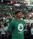 Isaiah Thomas recibió el apoyo de su equipo y la afición luego de los duros momentos familiares que atraviesa. (Foto Prensa Libre: AP)