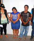 Francisco Pérez y su hija Alma Pérez, fueron llevados a la comisaria 34 de Retalhuleu. (Foto Prensa Libre: Rolando Miranda)