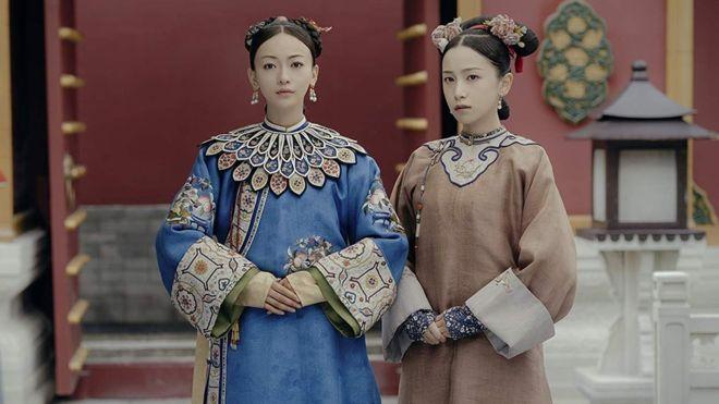 """""""Historia del Palacio Yanxi"""" es una serie que gira entorno a su protagonista, Wei Yingluo (de azul en la imagen). (IMDB)"""
