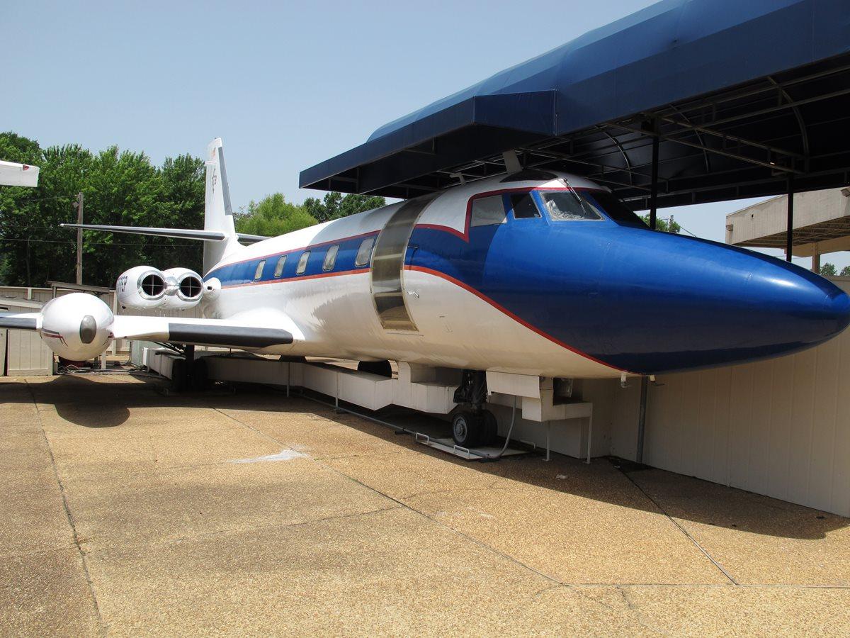 Los jets privados de Elvis Presley se quedarán en Graceland