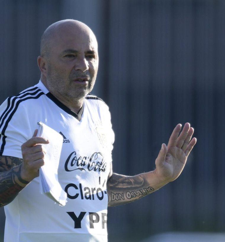 Después de perder por goleada contra Croacia fueron fuertes los rumores sobre una ruptura en el vestuario de Argentina. (Foto Prensa Libre: AFP)