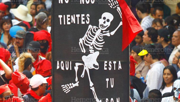 21/03/2013. La querida Chabela que encabeza cada desfile de la Huelga de Dolores. (Foto: Hemeroteca PL).