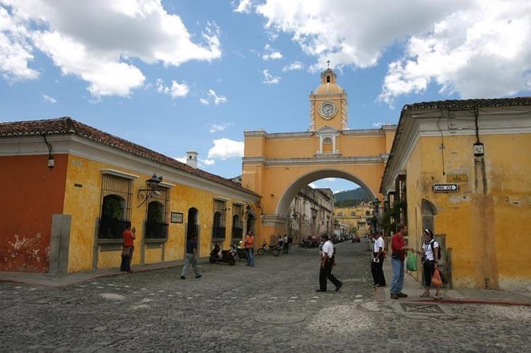 Antigua Guatemala es uno de los lugares más visitados por turistas nacionales. (Foto Prensa Libre: Hemeroteca PL)
