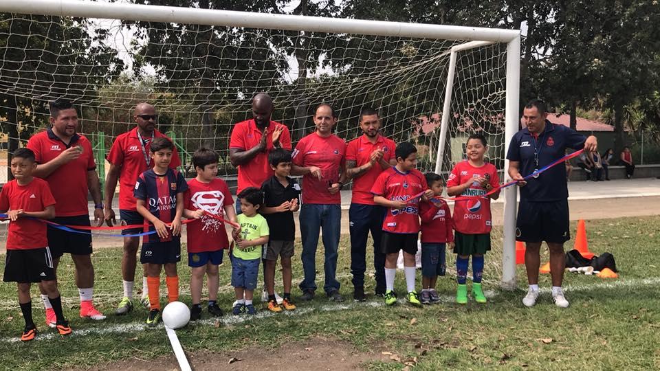 Municipal espera contar con diez academias de futbol para finales del 2018. (Foto Prensa Libre: CSD Municipal)