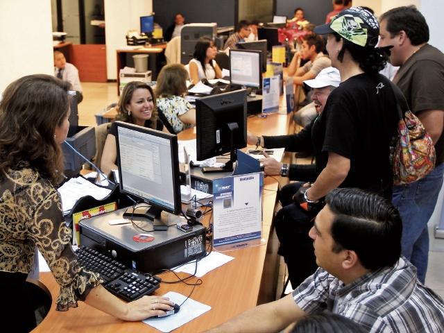 SAT apunta plan de fiscalización a tres grupos de tributantes