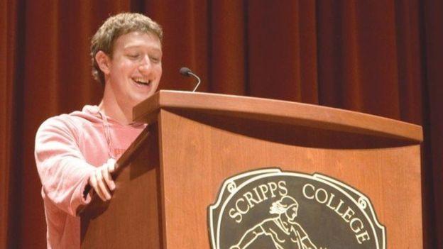 """""""Este fue mi primer discurso para (la universidad) Scripps College"""", dijo en este post de octubre de 2006. (MARK ZUCKERBERG/FACEBOOK)"""