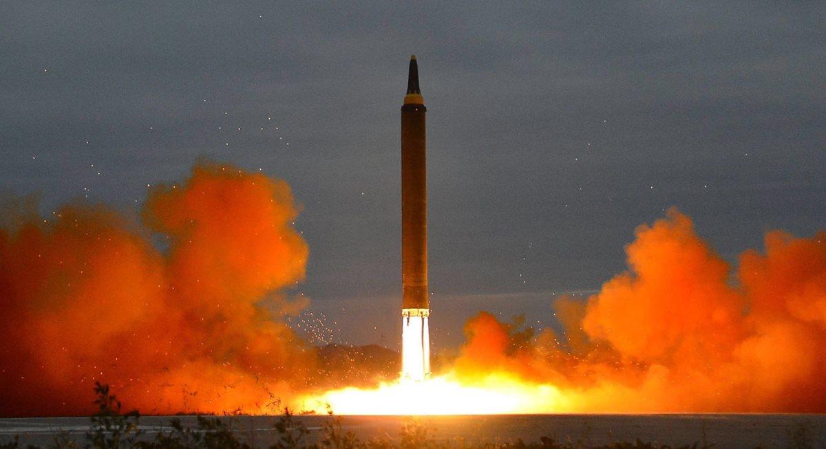 Nuevo misil intercontinental tensa al mundo. (Foto Prensa Libre: EFE)