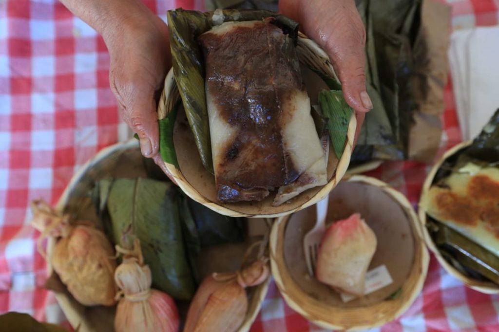 Tamalas dulces y sabrosos paches se muestran durante la exposición.