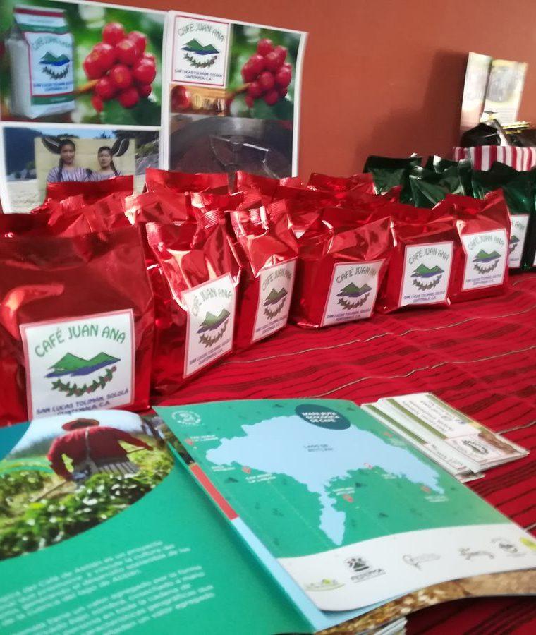 El proyecto busca fomentar el consumo local del café de la región que también es exportado a Estados Unidos. (Foto Prensa Libre: Raúl Juárez)