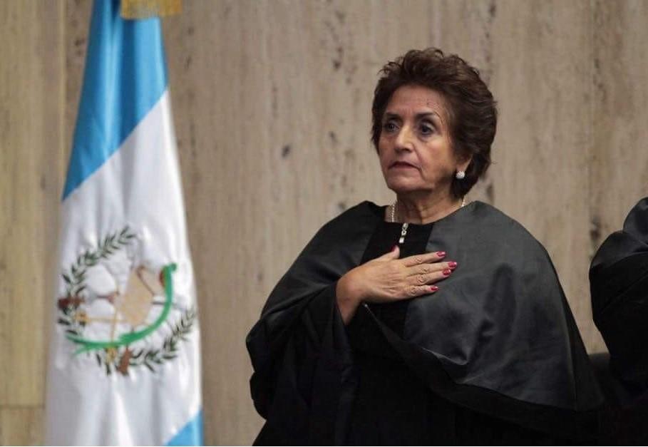 La magistrada Elizabet Mercedes García Escobar fue juramentada en septiembre del 2016. La noticia de su muerte trascendió la mañana de este sábado. (Foto Prensa Libre: Cortesía OJ)