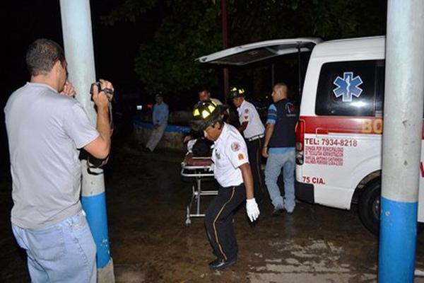 Los agentes de seguridad privada, Pablo Xo Chub y Arnulfo Tupil Chun fueron atropellados en el km 122 de la ruta al Atlántico, en Teculután, Zacapa. (Foto Prensa Libre: Víctor Gómez).