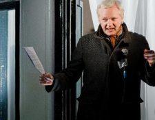 El fundador de Wikileaks Julian Assange en la embajada ecuatoriana en Londres (Foto Prensa Libre: AFP).
